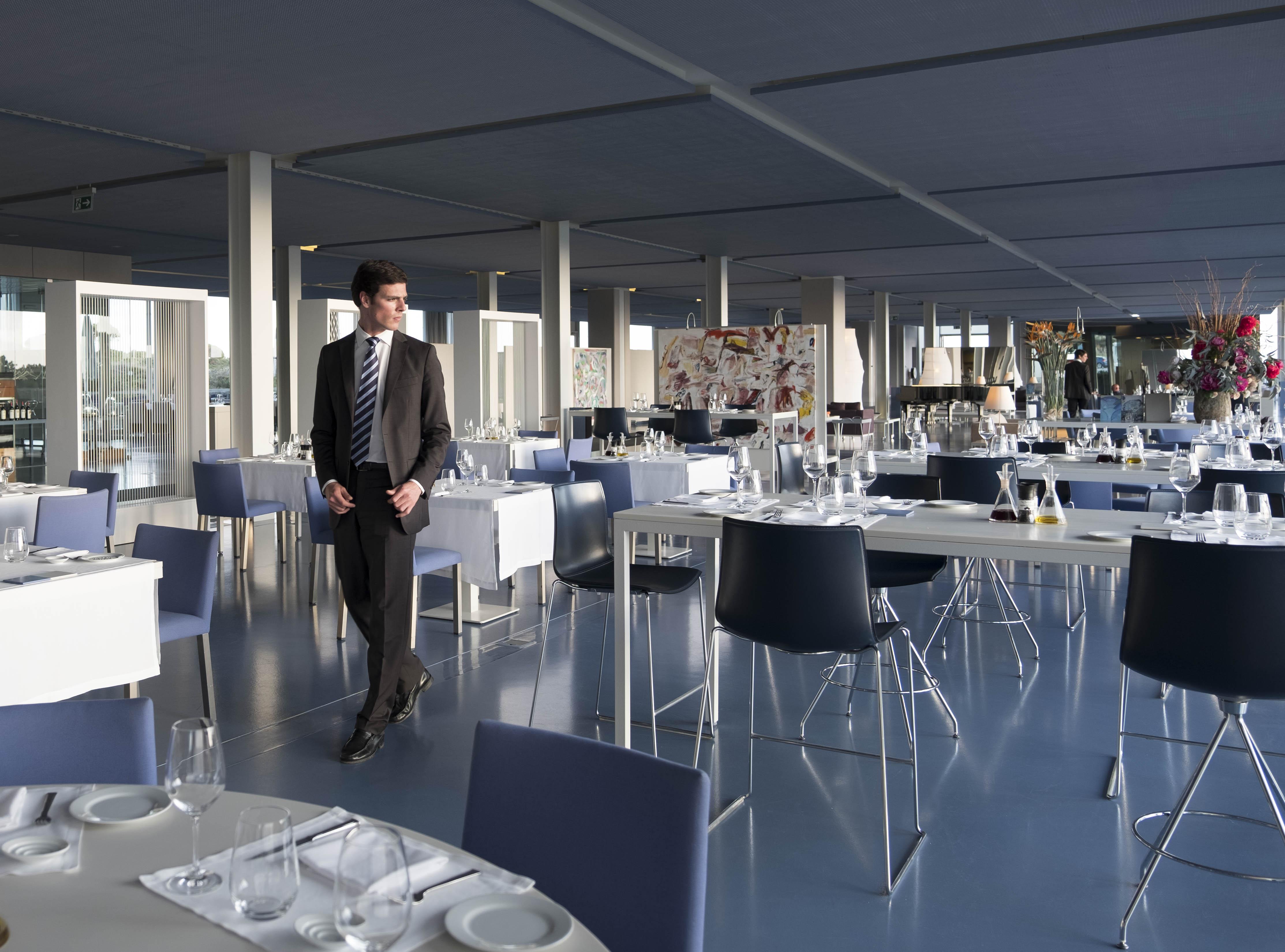 Ipsylon Restaurant In Cascais Lisbon The Oitavos